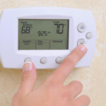 thermostat measuring home temperature